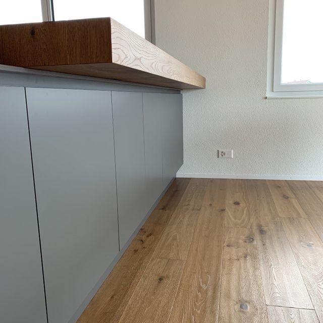 """Küche Teilansicht mit """"Holzbar"""""""